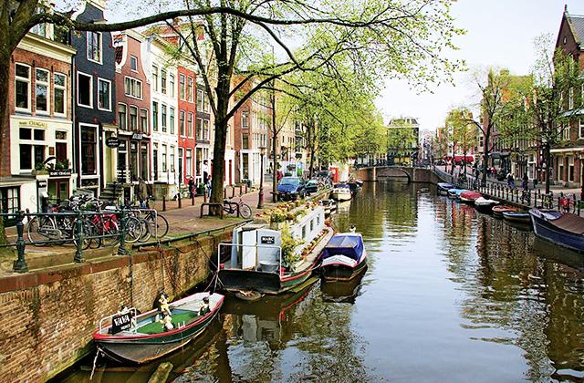 csatornak-amszterdamban