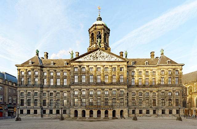 kiralyi-palota-amszterdam